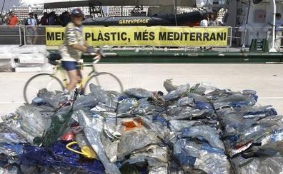 El Mediterráneo es una inmensa mancha de microplástico