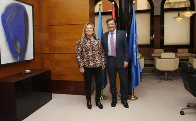 Mercedes Fernández se despide de Javier Fernández: «Tejimos acuerdos importantes para Asturias, nuestro empeño común»