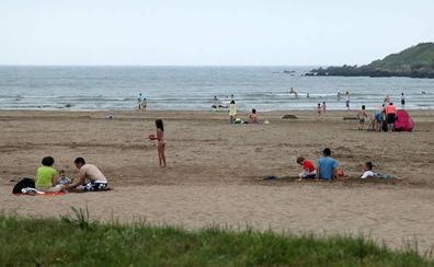 Solo tres playas de Asturias tienen una calidad del agua «insuficiente»