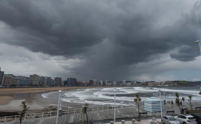 La borrasca 'Miguel' abandona Asturias tras los cortes de tráfico y las abundantes lluvia