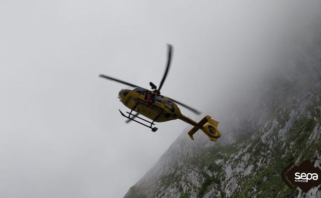 Rescatados tres montañeros que se desorientaron con la niebla en Picos