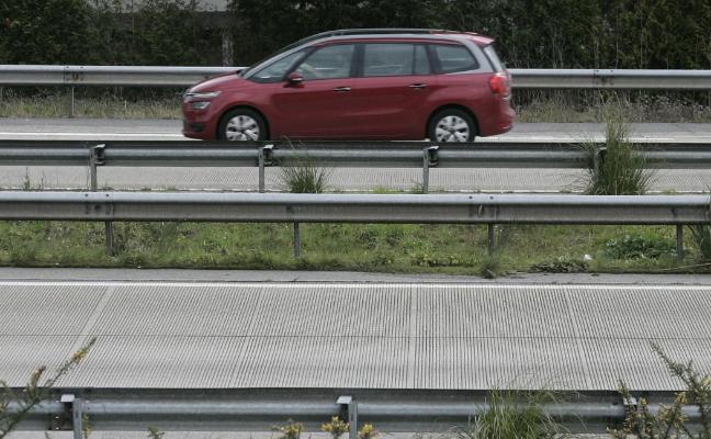 El asfalto que Fomento aplicará en la 'Y' abre un debate técnico