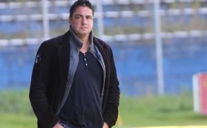 El Avilés confirma a Viti Amaro como técnico y se va el director deportivo