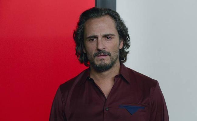 La preciosa petición del actor Asier Etxeandia; quiere volver a entrar en su casa de la infancia
