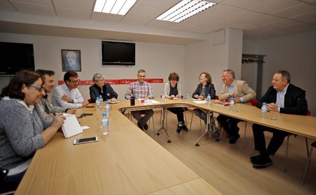 PSOE e IU negociarán desde el sábado «un programa de gobierno conjunto» en Gijón