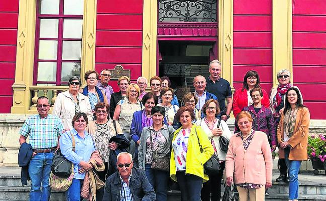 Castropol llega de visita a Carreño