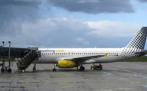 Cien viajeros menos al día desde enero en el aeropuerto de Asturias