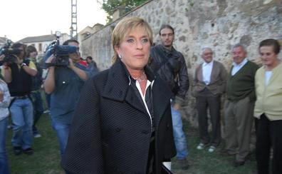 Kiko Hernández acusa a Chelo García-Cortés de «pedir muchos miles de euros a una amiga que le presenté»