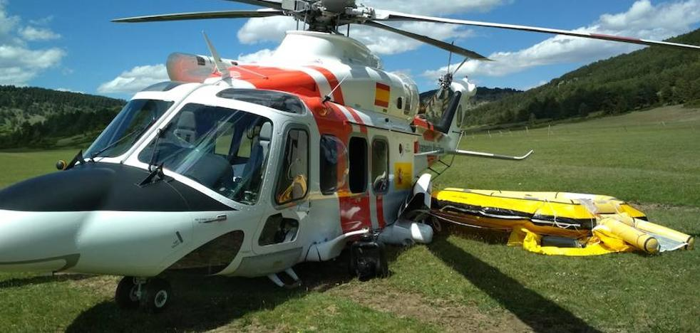 Un helicóptero de Salvamento Marítimo sufre un accidente cuando se dirigía a la base de El Musel