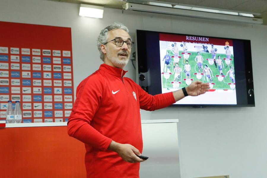 El director deportivo del Sporting da explicaciones sobre la temporada