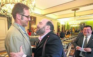 El PP confía en un pacto con Ciudadanos y la FSA descarta hacer alcalde a Cuesta