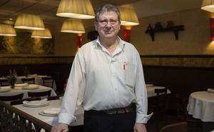 El hostelero gijonés Ataúlfo Blanco sufre una grave caída en su restaurante