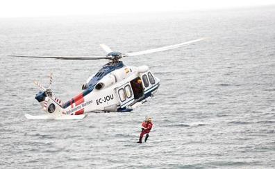 Los trabajadores Salvamento Marítimo califican de «aberrante» el recorte en su salario