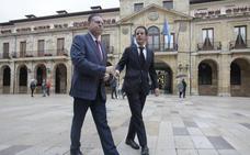 PP y Ciudadanos alcanzan un acuerdo de gobierno que hará alcalde de Oviedo a Canteli