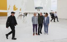 Los Genovés conjugan su arte en el Centro Niemeyer