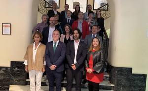 Enrique Riestra, investido alcalde de Llanes