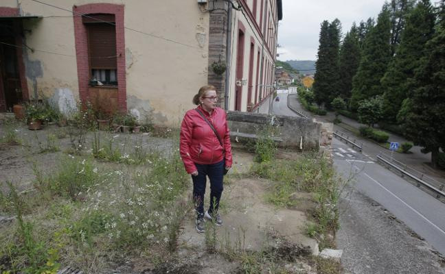 «He tenido que buscar otro trabajo para poder alquilar una nueva casa en Trubia»