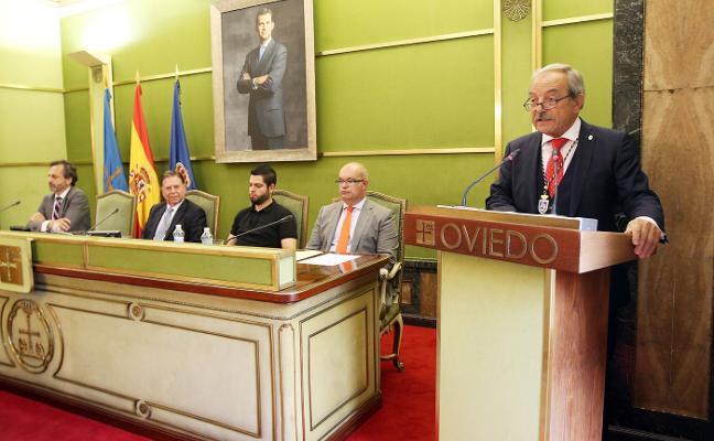 López advierte de que el nuevo gobierno local «viene a destruir lo público»