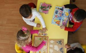 Más de 3.400 familias asturianas, pendientes de la esperada regulación del ciclo 0 a 3 años