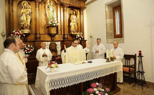 Miguel Bueno Sierra oficia su primera misa en Hontoria