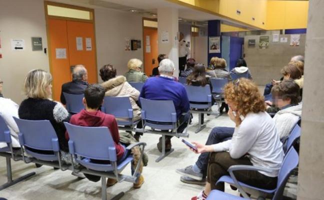 La falta de médicos de familia atasca las consultas en centros de salud