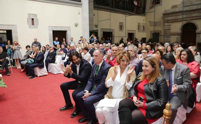 La sanción a la edil de Llanes por no apoyar al PSOE provoca una cascada de dimisiones en IU