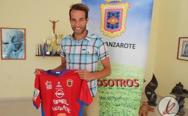 El lateral izquierdo Josito tiene una oferta del Avilés para dejar Lanzarote