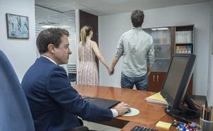 «Somos de Hacienda, su boda está embargada»