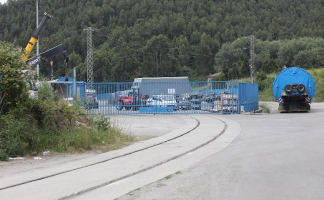 Los muelles de la margen derecha tienen conexión ferroviaria desde ayer