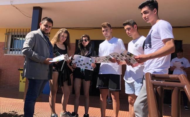 El IES Peñamayor de Nava presenta el folleto de su 'Ruta de los Escolinos'