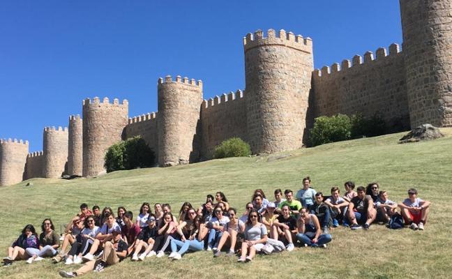 Visita de Ávila de los alumnos del Foro Comunicación