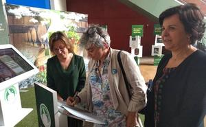 «La sidra hay que tomarla en la calle y en el prau», defiende la alcaldesa de Gijón