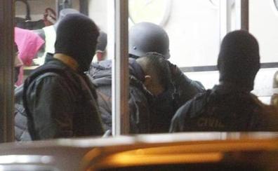 Ocho butroneros afrontan 45 años de cárcel por el robo en una joyería en Gijón
