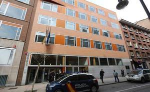 El acusado de agredir a un hombre en la calle Rivero hace dos años no se presenta al juicio