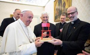 El ovetense Daniel Villanueva, recibido por el Papa Francisco para hablar de educación de los jóvenes