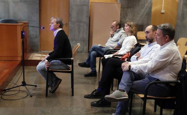 Grueso se quejó de las «tensiones» financieras del Niemeyer a Areces