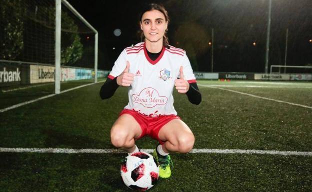 La centrocampista Zara Prieto, primera renovación en el Gijón FF