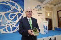 Carlos Casanueva, premio Álvarez Margaride a su trayectoria «ejemplar» de tesón empresarial