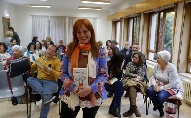 Laura Castañón presenta su libro en Oviedo