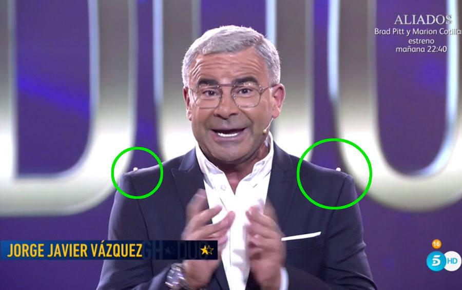 ¿Qué son las dos bolitas que lleva Jorge Javier Vázquez en la chaqueta?