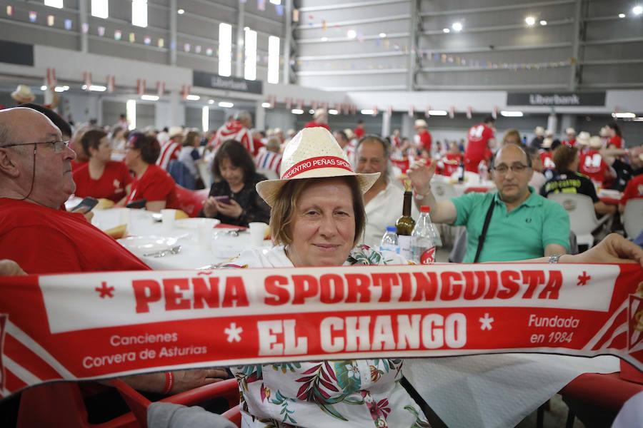 Las peñas del Sporting, juntas en Mieres