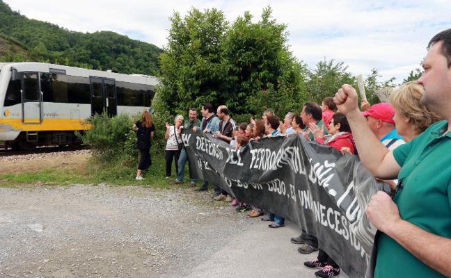 Una nueva avería del tren en Aller agudiza el descontento tras la protesta