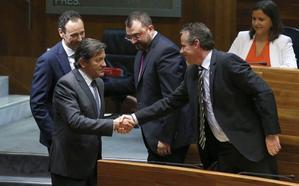 La nueva legislatura arranca con bronca entre Podemos y el PSOE