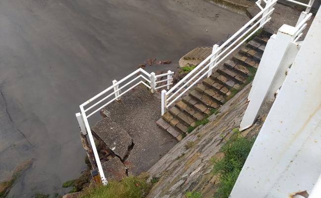 La escalera cero de Salinas continúa cerrada