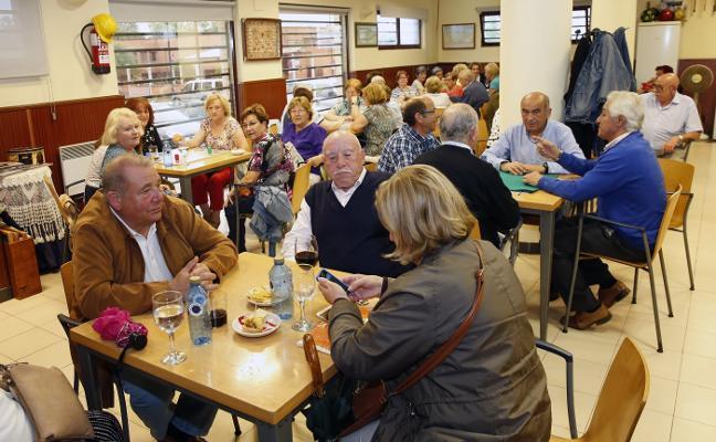 Un tercio de la población de Asturias vive de la pensión