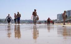 La ola de calor empieza a causar estragos en la Península, mientras Asturias supera los 30 grados