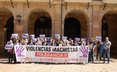 Concentración en Oviedo contra la «la insoportable violencia machista»