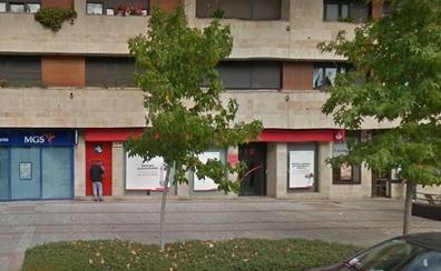 Atraco a mano armada en una oficina bancaria del banco de Santander en Gijón