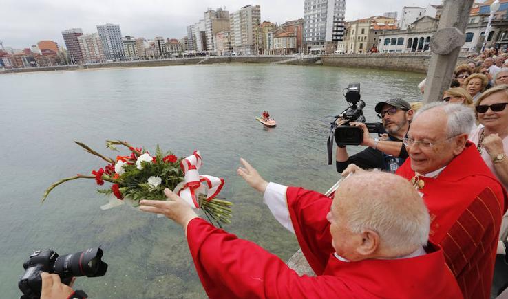 La alcaldesa de Gijón, ausente en bendición de las aguas en San Pedro