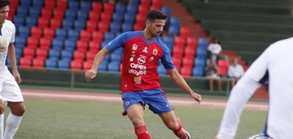 El canario Enrique Castaño, nuevo jugador del Avilés
